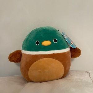 Avery the Duck Squishmallow NEW